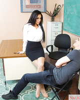 Cougar teacher Jaclyn Taylor gives a juicy sloppy deepthtoat!