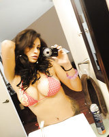 Voluptuous girlfriend Jamie Valentine enjoys playing a naked solo on her cam