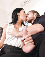 Dark haired MILF Jasmine Jae doing 2 guys right in black stockings and heels