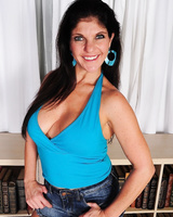 Naughty housewife Coralyn Jewel takes her jean shorts & pink panties off