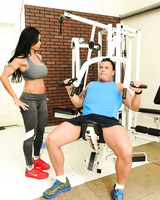 Pornstar Nikita Von James walks into a gym and kick starts a foursome