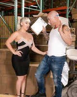 European secretary Nina Kayy seduces a guy from the warehouse for a quickie