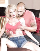 Over 40 blonde cougar Raquel Sultra frees big tits before giving blowjob
