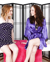 Lesbian Scarlet Faye does awesome massage for Aaliyah Avatari