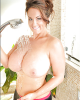 Buxom Latina model Sarah Nicola Randall and her massive melons take shower