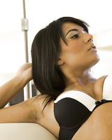 Cuddly brunette babe Shazia Sahari slipping off her lingerie