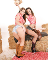 Farm girls Amber Rayne and Harmony Rose snowball after filthy anal sex