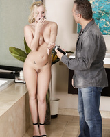 Horny Bailey Brooke gives an incredible nuru massage with her petite body