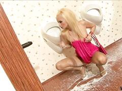 Blondie sprayed with cum