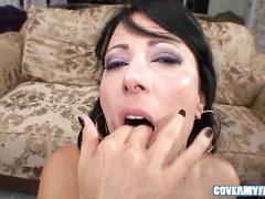 Cute brunette beauty Zoey Holloway enjoys bukkake