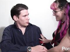 Amateur geek seduces meaty cock for hardcore fuck