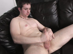 Guy with small dick bringing himself a lot of pleasures