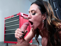 Stepmom with black hair Ariella Ferrera penetrated in mouth and facialized