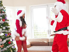 Tricky Santa Clause catches busty Autumn Falls and wants to fuck her