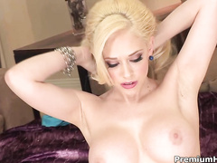 Aweosme busty bitch Kagney in mind blowing solo