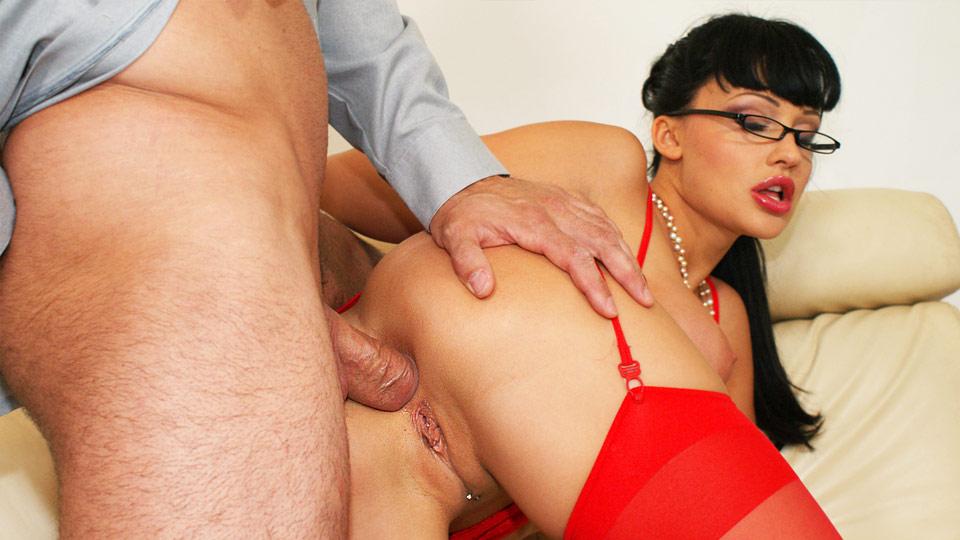 Порно видео босс ебет секретаршу в жопу