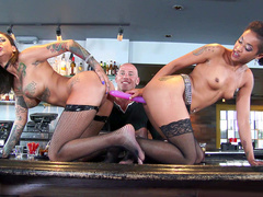 Bonnie Rotten is cheating on boyfriend with Skin Diamond right in front of him