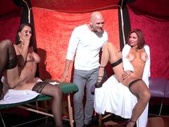 Moms Nora Noir and Veronica Avluv in stockings squirt masturbating pussies