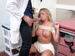 Naive patient Jessa Rhodes not afraid to wrap lips around doctor's tool