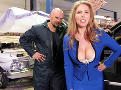 Busty MILF Lena Paul gets her pussy serviced as well