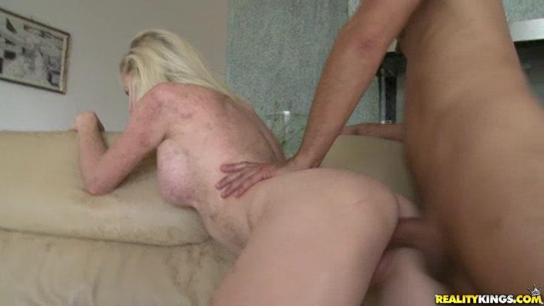 Kinky hottie Margo gets her sweet pink pussy fucked