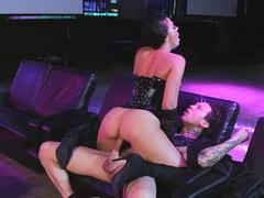 Stripper Rachel Starr fucks her client in the club