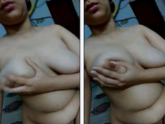Sexy Paki Gf play her Boobs