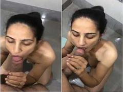 Today Exclusive- Hot Look Desi Wife Sucking Hubby Dick In Bathroom