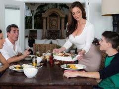 Sexy MILF Kendra Lust And Jordi El Niño – Kendra's Thanksgiving Stuffing