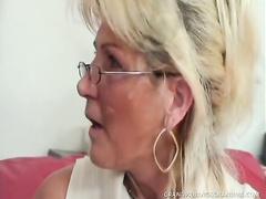 Busty mature whore Renata wants hardcore brutal sex